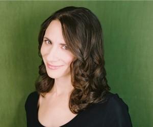 Julie Tepperman Headshot